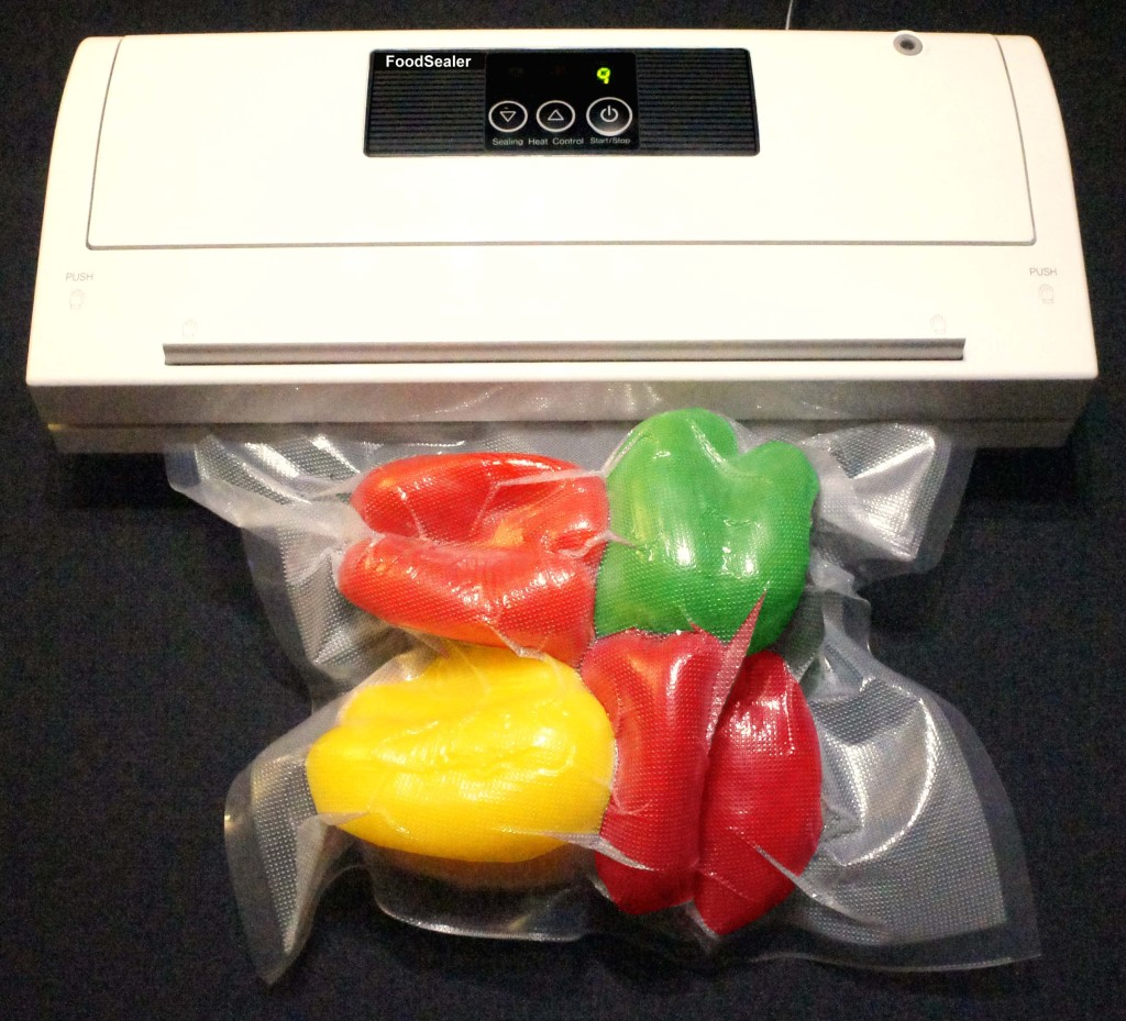 Mix 300 Bags + Ultra Quiet Semi Auto White FoodSealer Vacuum Sealer and Pt., Qt., Gal. Vacuum Bags